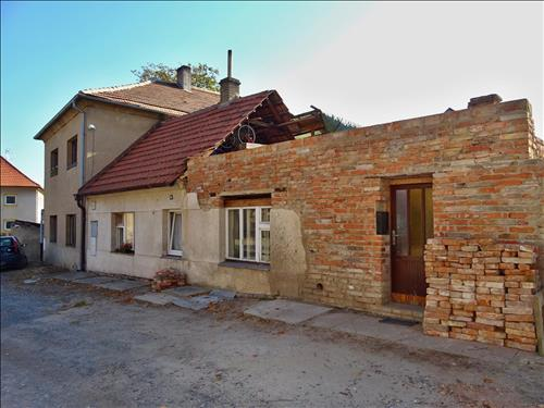 Aukce - rodinný dům, Tuřany
